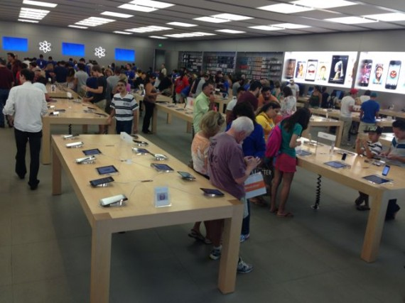 Apple flagship store at Mall At Millenia, Orlando, Florida