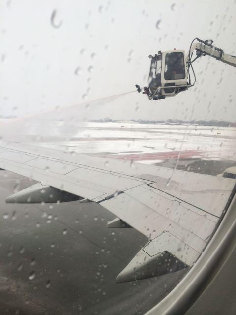 Delta plane getting de-iced