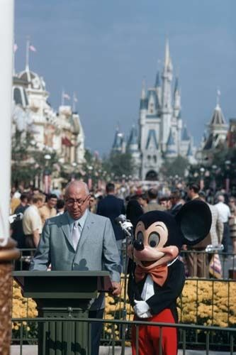 Roy Disney dedicating Walt Disney World's Magic Kingdom