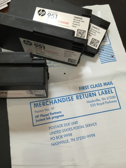 HP Instant Ink return mailer photo