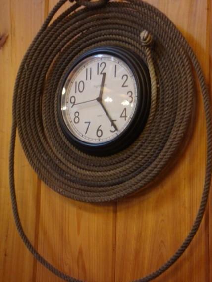 Cowboy rope clock