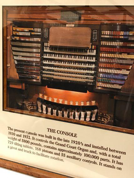 Philadelphia Macys Organ
