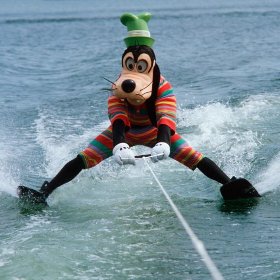 Disney Goofy water skiing