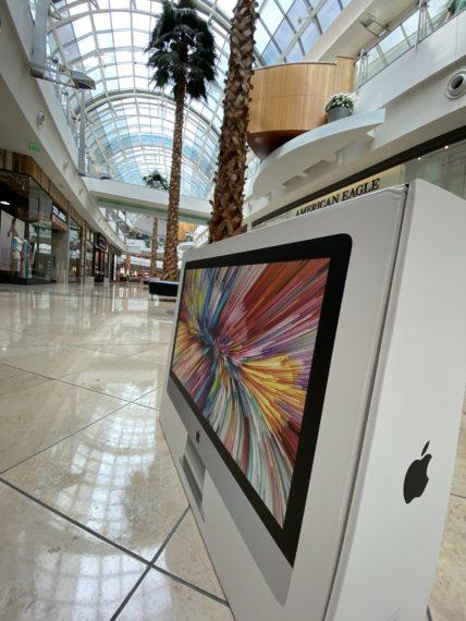 iMac in Mall