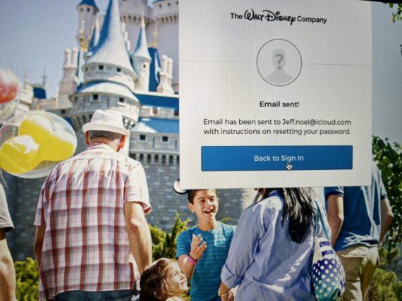 Disney retiree website login screen